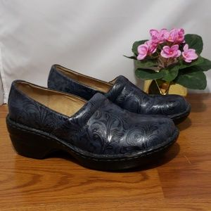 G.H. Bass Navy Blue Paisly Embossed Nurse 9.5M